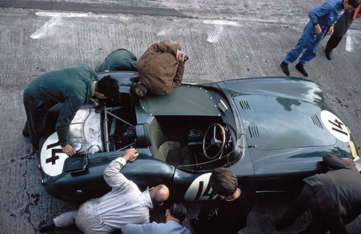 Paddock : Kit Aston Martin DBR1 1st Nurburgring 57 with engine