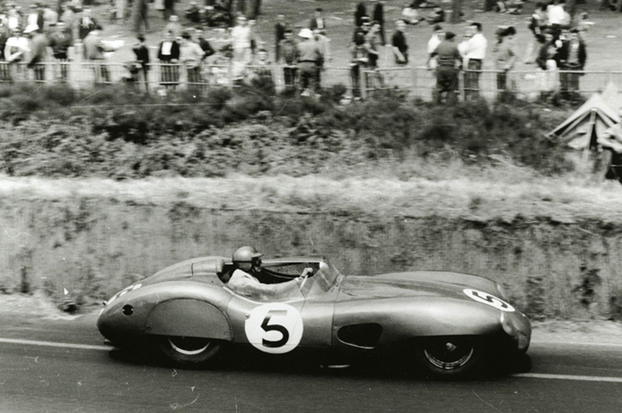 Paddock Kit Aston Martin Dbr1 Winner Le Mans 1959 Modelart111