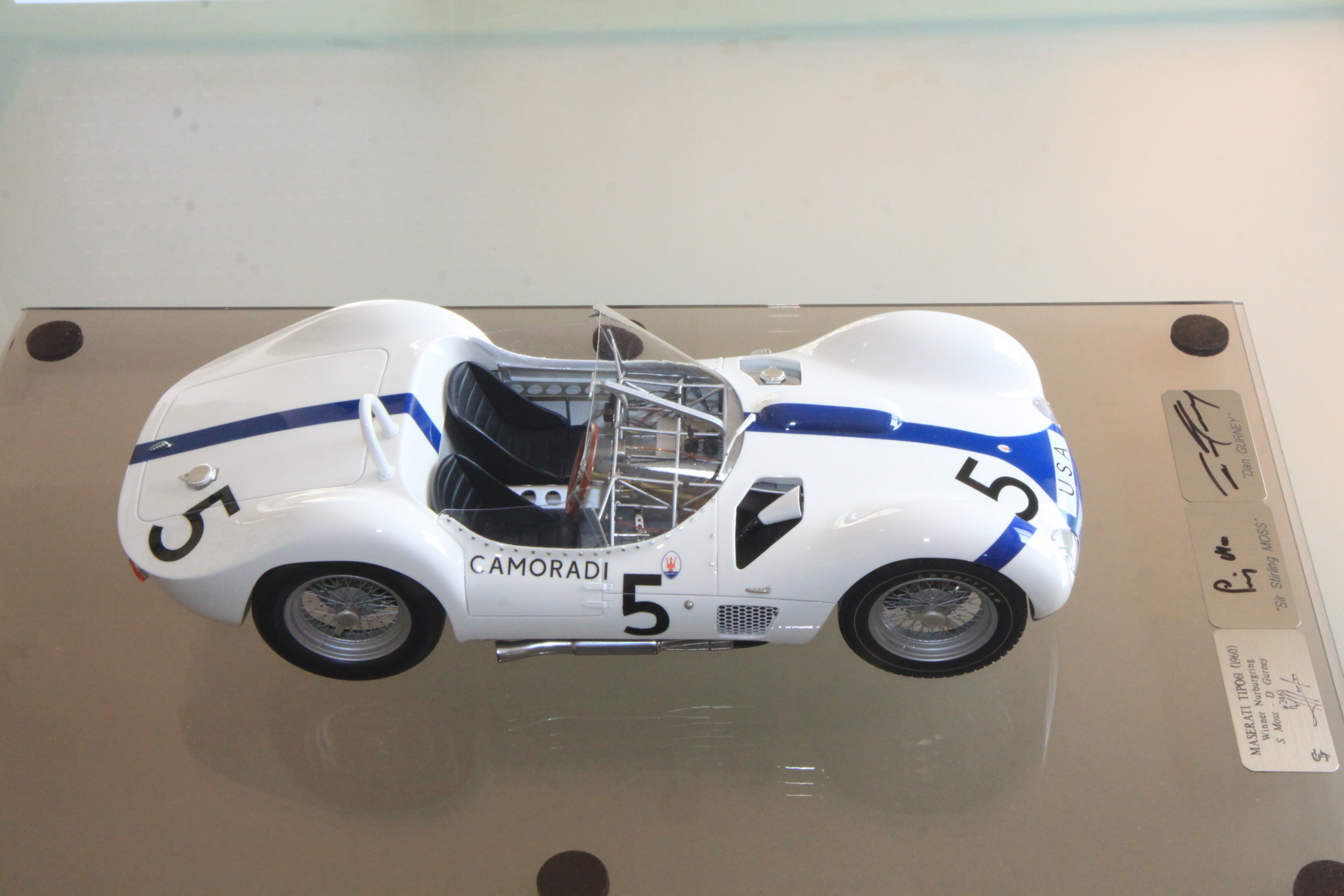 F. Suber : Maserati Tipo 61 signed by S.Moss & D.Gurney - 1/12