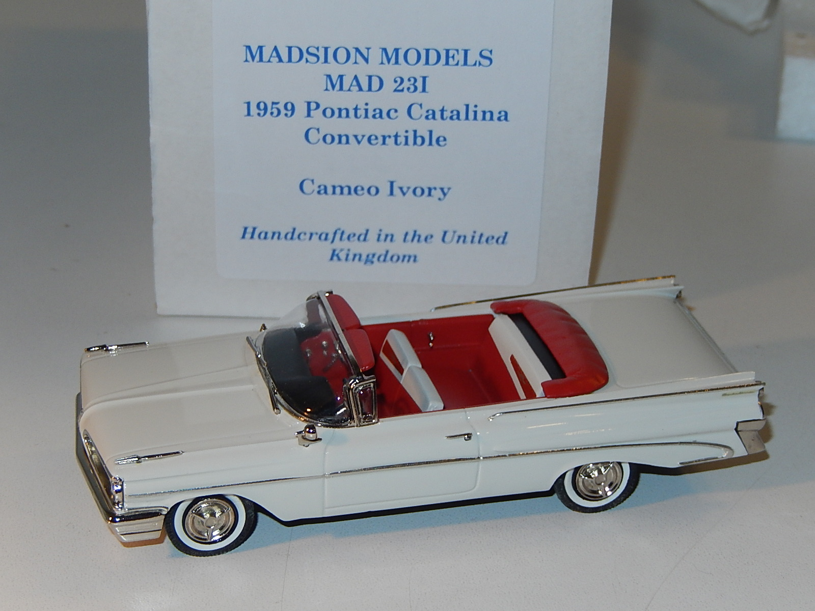Madison : Pontiac Catalina convertible ivory 1959 --> SOLD
