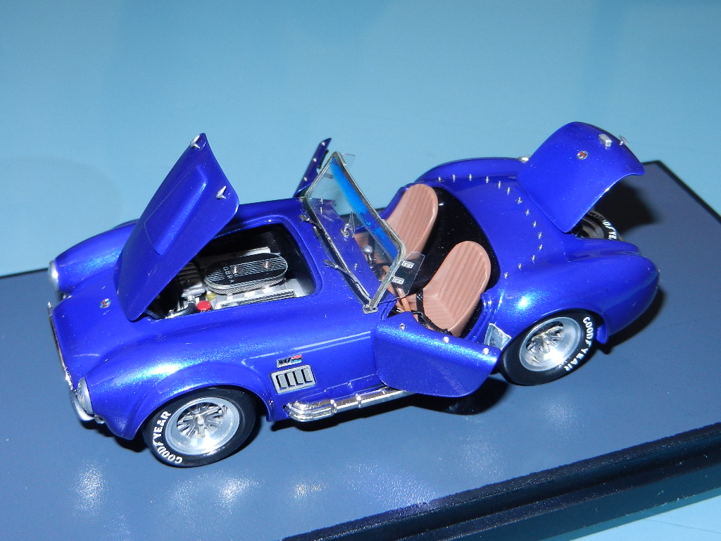 Make up Superior : Ac Cobra built by Mario Bona