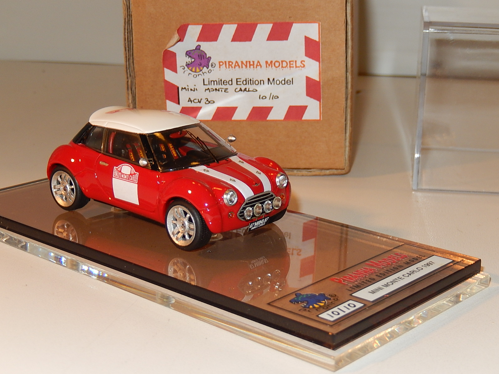 M. Craig : Austin Mini ACV --> limited 10 only -> box signed